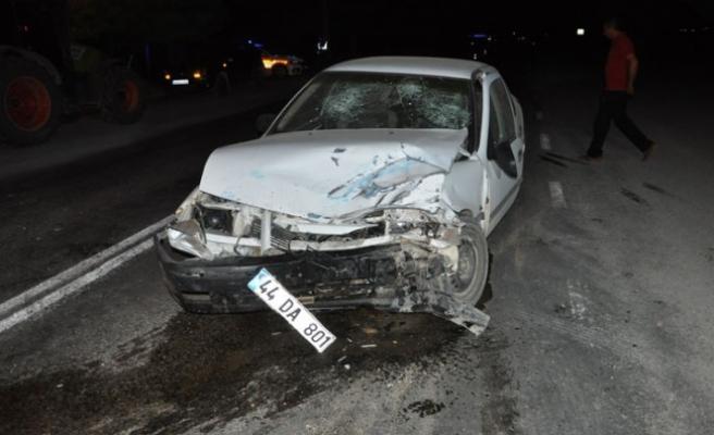 Askeri Araç İle Otomobil Çarpıştı: 4'ü Asker 7 Yaralı