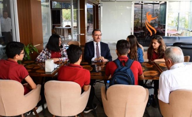 Başkan Güngör Öğrencilerle Bir Arada