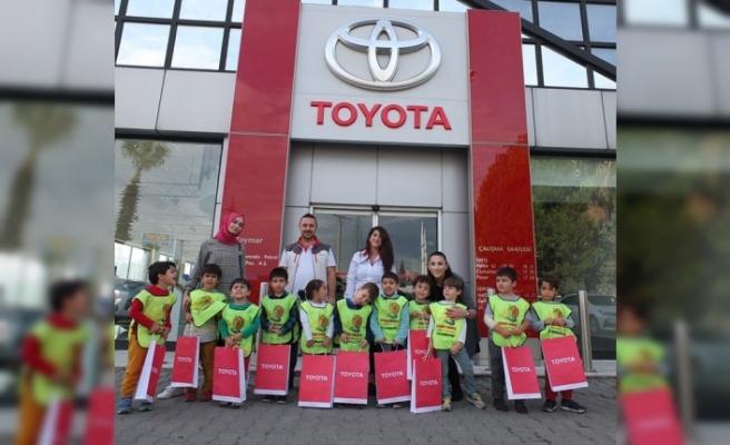Minik Öğrencilerin Toyota Sevgisi