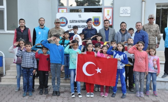 Suriyeli Öğrencilerden Barış Pınarı Harekatı'na Destek