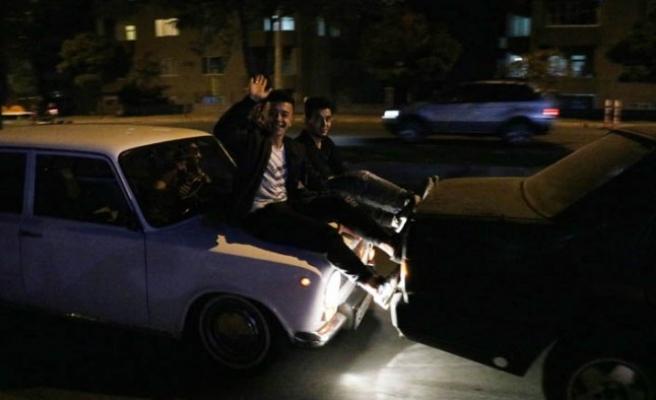 Yakıtı Biten Otomobili Ayakla İttirerek Götüren Sürücülere 225'er Lira Ceza