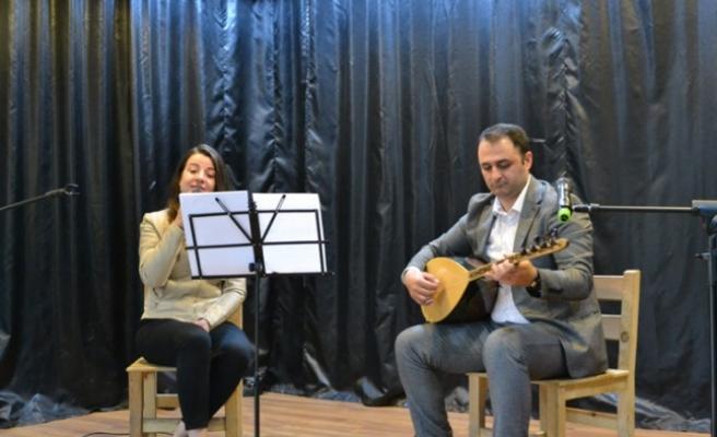 Andırın'da Öğretmenlerden Meslektaşlarına Müzik Dinletisi