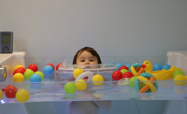 Bebeklerin Jakuzi Keyfi