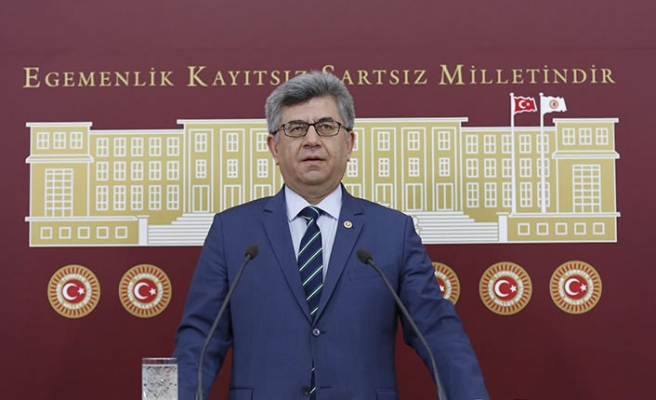 Milletvekili Aycan Bakan Koca'ya Sordu: Türkiye'de Korona Virüsü Var mı?