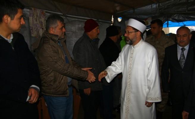 Diyanet İşleri Başkanı Erbaş'tan Şehit Ailesine Taziye Ziyareti