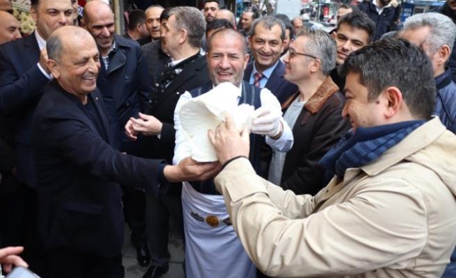 Etlioğulları Pastanelerinin Açılış Kurdelesini Kervancıoğlu Kesti