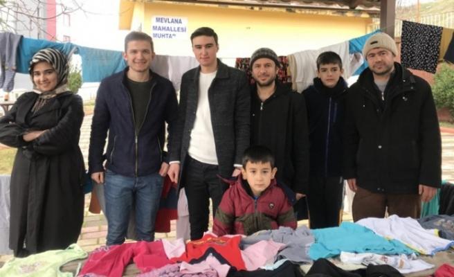 Gönüllü Gençlerden İhtiyaç Sahiplerine Giysi