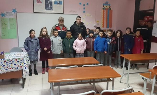 Şehit ve Gazi Çocuklarını Okula Götürdüler