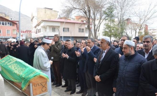Sinop Valisi Şakalar'ın Annesi Ekinözü'nde Son Yolculuğuna Uğurlandı