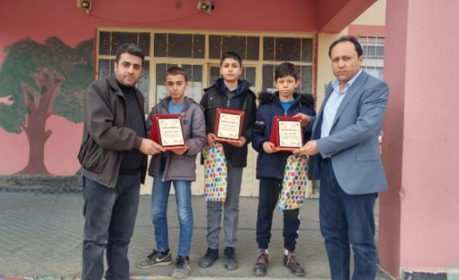 Yarışmadan Kazandıkları Para Ödülünü Depremzedelere Bağışladılar