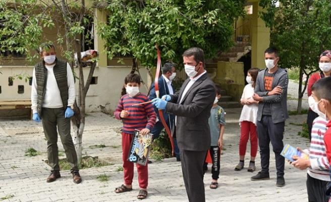 Başkan Okumuş'dan, 23 Nisan'da Yetim Çocuklara Anlamlı Ziyaret