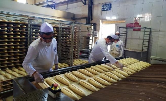 Büyükşehir Belediyesinin Ekmek Üretim ve Satışı Devam Ediyor