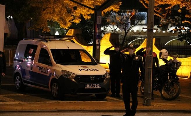 Kahramanmaraş'ta Polisler Hep Birlikte İstiklal Marşı Okudu