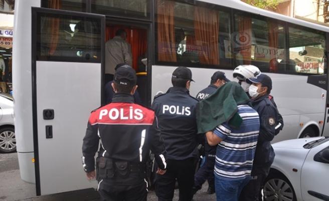 Kahvehanede Kumar Oynayan 13 Kişi Yakalandı