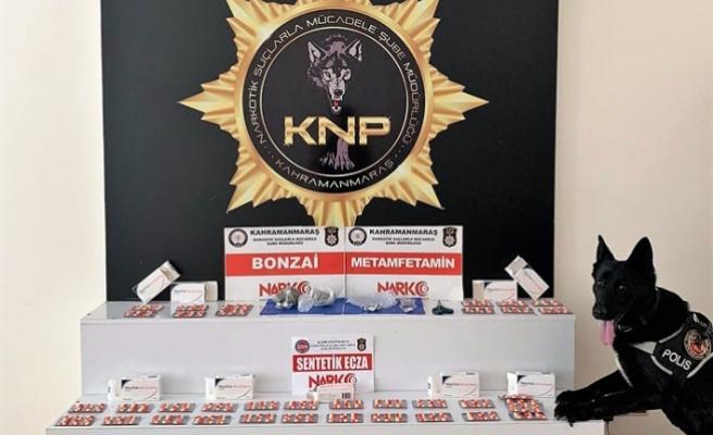 Suçüstü Yakalanan 4 Uyuşturucu Zanlısı Tutuklandı