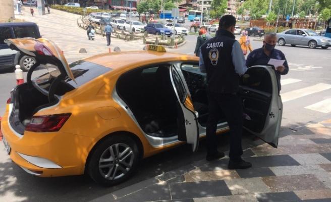 Ticari Taksiler Denetimden Geçiriliyor