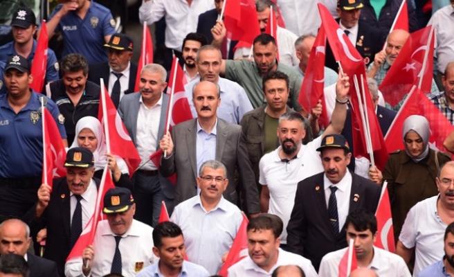 Başkan Okay; 15 Temmuz'da Çelik Zırhlı Tankları, Demir Yürekli İnsanlar Yendi