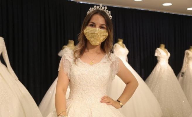 Kahramanmaraş'ta Gelinler İçin Altın İşlemeli Maske Üretildi