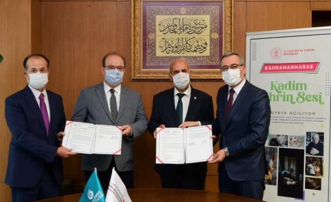 Büyükşehir Belediyesi İle Yunus Emre Enstitüsü İşbirliği Protokolü İmzaladı