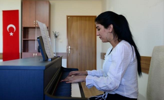 KSÜ, GSF Resim ve Müzik Bölümleri Özel Yetenek Sınavı Tamamlandı