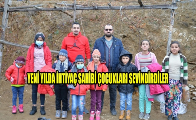 Yeni Yılda İhtiyaç Sahibi Çocukları Sevindirdiler