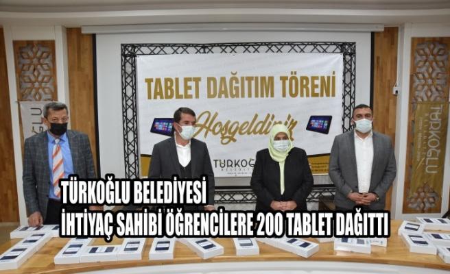 Türkoğlu Belediyesi, İhtiyaç Sahibi Öğrencilere 200 Tablet Dağıttı