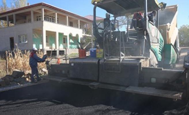 Afşin Belediyesi Arıtaş Mahallesinde Yol Çalışmaları Yaptı