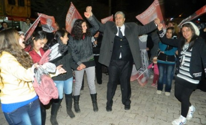 AK Partiler Fatih Vicdan'a Katıldı
