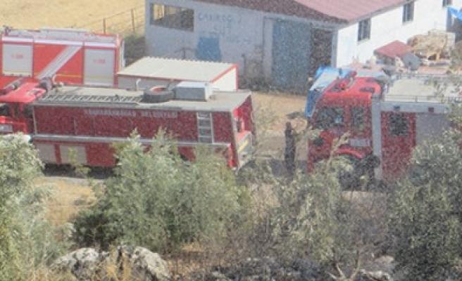 Bahçe Yangını Evlere Yayılmadan Söndürüldü