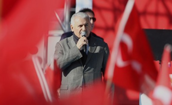 Başbakan Yıldırım; Türk Milleti Asla Diz Çökmez