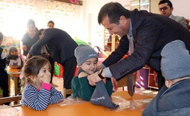Başkan Bozdağ, Çocukları Unutmadı