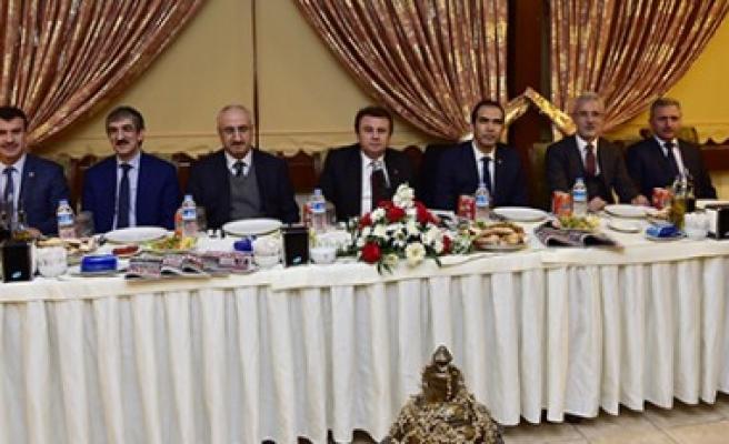 Başkan Erkoç Gazetecilerle Buluştu