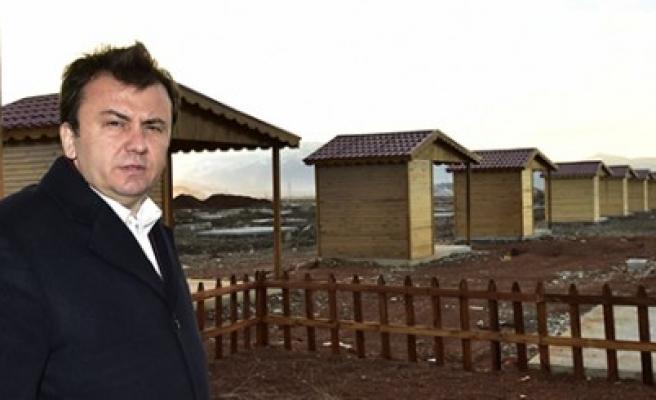 Başkan Erkoç Hobi Bahçesini Gezdi