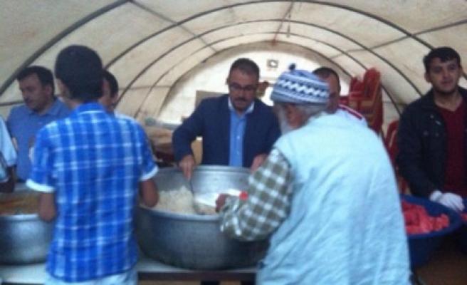 Başkan Güven İlk Orucu Ramazan Çadırında Açtı
