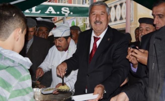 Başkan Kazlı'dan 2 Bin Kişiye Etli Plav
