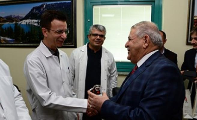 Başkan Mahçiçek, Doktorları Ziyaret Etti