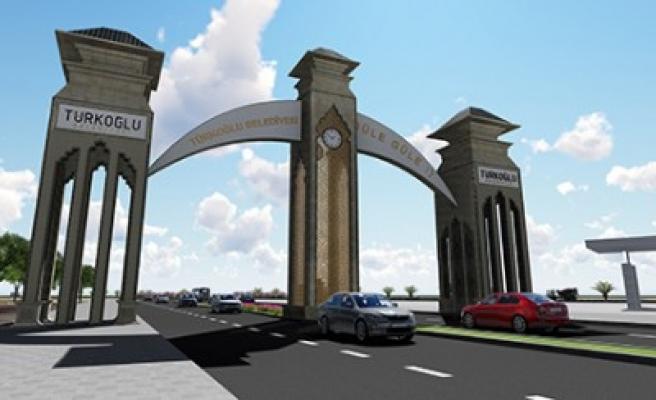 Başkan Okumuş, Türkoğlu Şehir Kapılarının Tanıtımını Yaptı