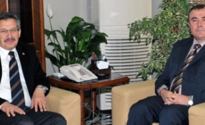 Başkan Poyraz'dan Emniyet Müdürü Adalar'a Ziyaret