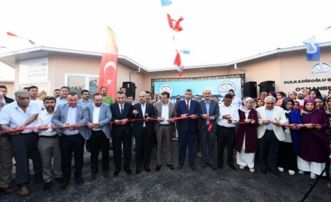 Bir Sosyal Tesiste Osmanbey'e