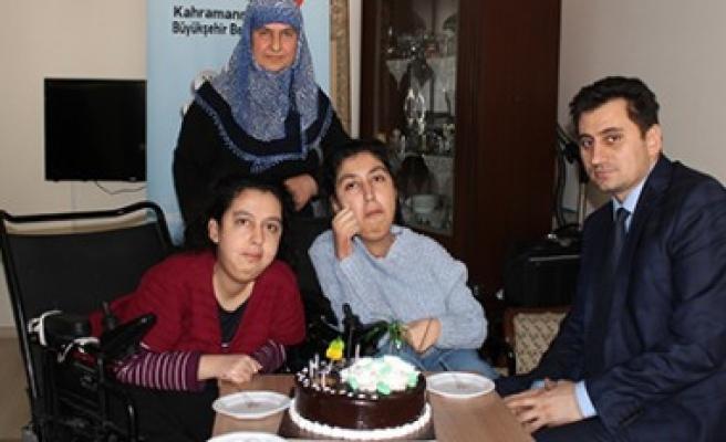 Büyükşehir'den Engelli Kardeşlere Doğum Günü Sürprizi