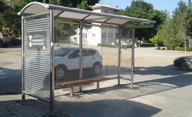Büyükşehir'den Modern Otobüs Durakları