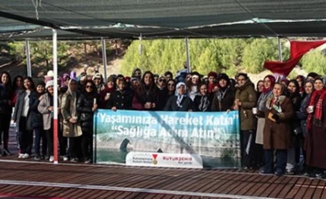 Büyükşehir'den Öğrencilere Doğa Yürüyüşü