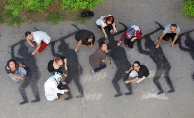 ÇÜ Öğrencileri, 301 Maden İşçisinin Siluetini, Kömürlerle Yere Resmetti