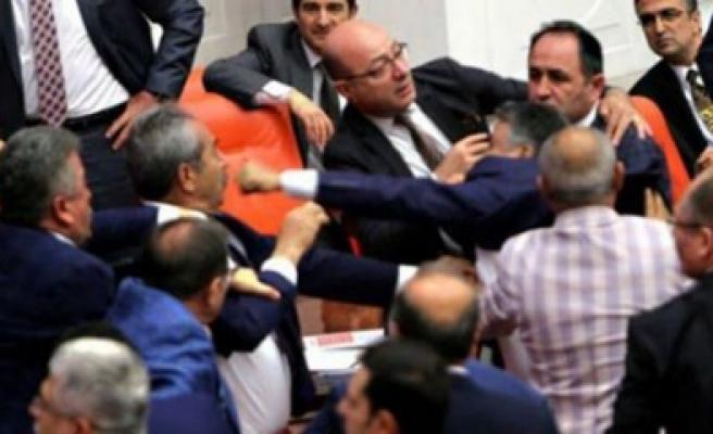 Dilipak'tan HDP'lilere Osmanlı Tokadı