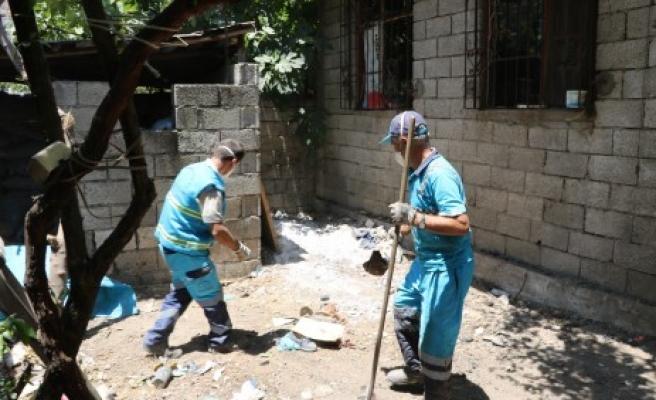 Dulkadiroğlu Belediyesi Çöp Evi Temizledi
