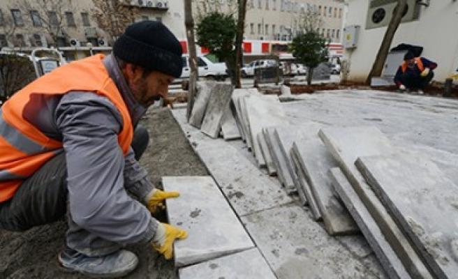 Dulkadiroğlu'nda Cadde Ve Kaldırımlar Bazalt Taşıyla Süsleniyor