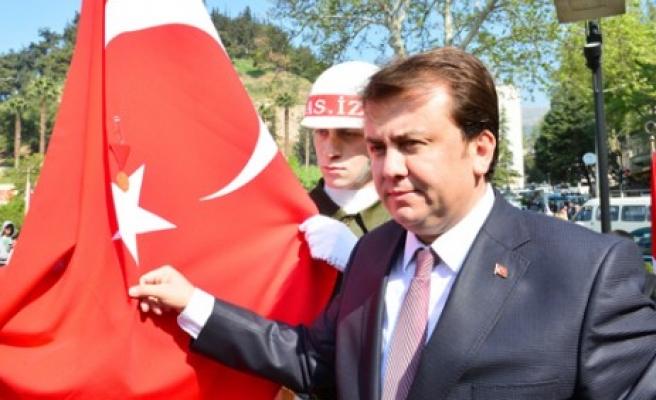 Erkoç; Bayrağımıza  Alçakça Yapılan Saldırıyı Şiddetle Kınıyorum