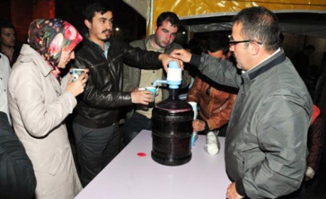 Eshab-I Kehf Külliyesin'de Miraç Gecesi Osmanlı Şerbeti İkram Edildi