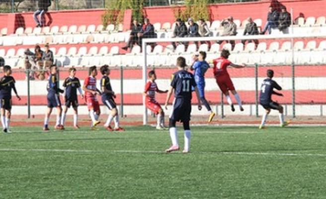 Futbol'da En İyi Okul Takımları Belli Oldu