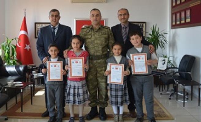 "İlkokul Öğrencilerinden Mehmetçiğe ""Ahde Vefa"""